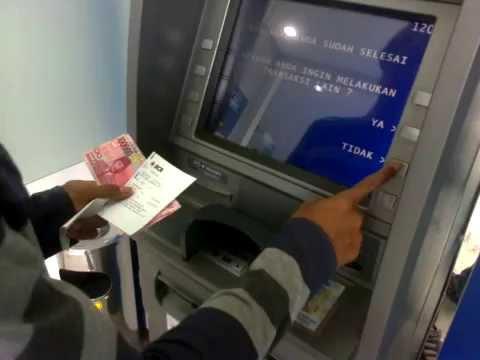 Tutorial Singkat! Cara Melakukan Penarikan Uang di ATM BCA