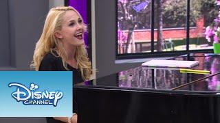 Violetta: Ludmila y Vilu cantan ¨Si Es Por Amor¨ (Ep 78 Temp 2)