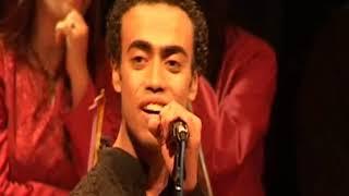 محمد فهيم مع فرقة ايامنا الحلوة - مونولوج هنا القاهرة ( محدش شاف ) لمنير مراد