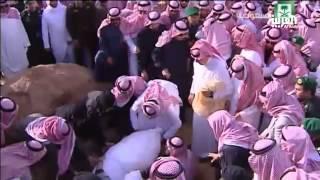 getlinkyoutube.com-صور دفن الملك عبدالله بن عبدالعزيز في مقبرة العود
