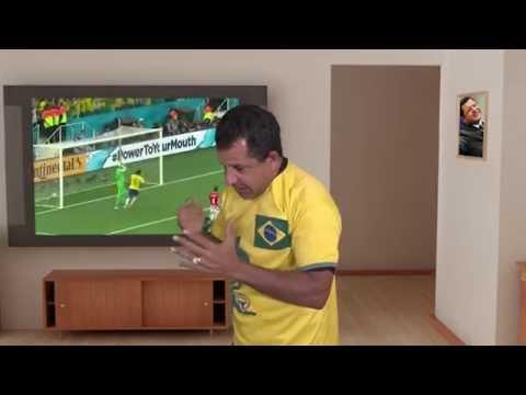 Abílio Santana Protesta e Tira a Camisa
