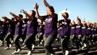 getlinkyoutube.com-การแสดงพาเหรดสีม่วง พิธีปิดกีฬาสี เตรียมอุดม 2558
