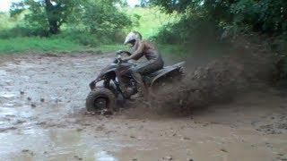 getlinkyoutube.com-ATV Mudding with a Raptor 350 and 400ex