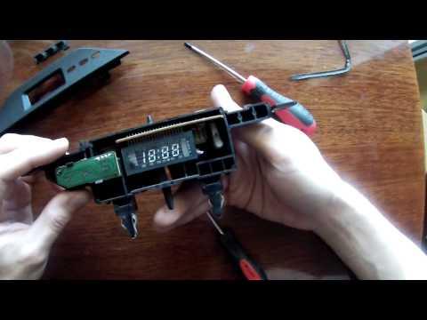 Mitsubishi Galant 8 Встраиваем вольтметр в часы