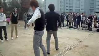 getlinkyoutube.com-091114 [fancam4] MBLAQ vs. School Boys Dance Battle 4 Infinity Girls Recording