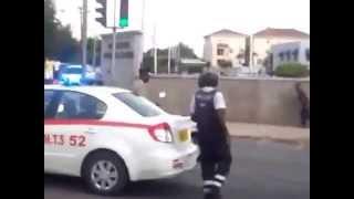 getlinkyoutube.com-Jamaican Mad Man Attacks Jamaican Police With Machete JULY 2013.