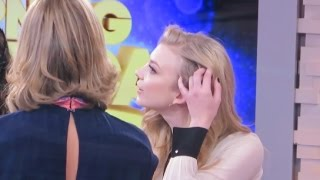 getlinkyoutube.com-Natalie Dormer shows her shaved head to Lara Spencer & talks The Hunger Games