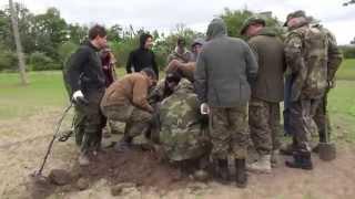 getlinkyoutube.com-Exhumation of German soldiers in 2014 Kurland