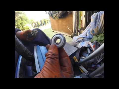 How to change Chrysler Dodge tensioner bearing поменять подшипник натяжителя Chrysler Dodge