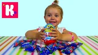 getlinkyoutube.com-Киндер Макси Миньйоны и пакетики сюрприз с игрушкой Стикизы Kinder Maxi Minions unboxing surprise