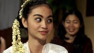 getlinkyoutube.com-Kisah Pertobatan Wanita Titisan Nyi Roro Kidul (Febrytha Claudya)