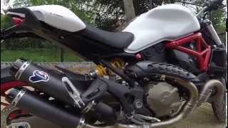 getlinkyoutube.com-Ducati Monster 821 with Racing Termignoni walkaround, startup and revving