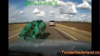 getlinkyoutube.com-los choques de  autos mas  impresionantes de mundo  2013 increibles pero sierto