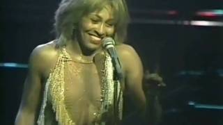 getlinkyoutube.com-TINA TURNER - PROUD MARY(LIVE 1982)