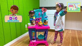 NEW DOC MCSTUFFINS PET VET CHECKUP CENTER Toy Puppy Findo Playing Doctor Vet Opening Toys Disney Jr