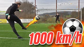 getlinkyoutube.com-1000 km/h Free Kick Football Challenge