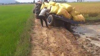 getlinkyoutube.com-tractor - Kubota M6040SU Mower Broken dropped, prepar new, stuck, videos, fail, accidents