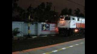 getlinkyoutube.com-Railway : CC 206 13 01 back to Dipo Lokomotif Tanah Abang