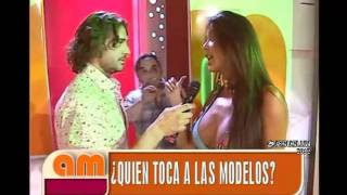 getlinkyoutube.com-AM:Desfile De Las Chicas Hot (06/01/2012)