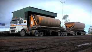 getlinkyoutube.com-Volvo Trucks - Heavy hauling in Indonesia