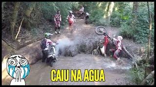 getlinkyoutube.com-Trilha de Moto CRF 230 O Role Molhado | Tombos e Roiadas !
