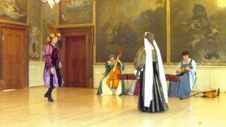 getlinkyoutube.com-Barriera (Renaissance Dance)
