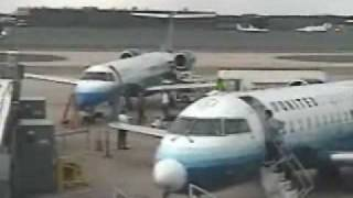 getlinkyoutube.com-Mechanic punches pilot at Airport