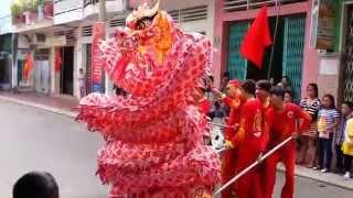 Múa Rồng mùng 1 Tết 2014 tại nhà Hadaicon - TP Quy Nhơn