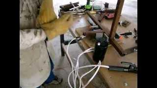 getlinkyoutube.com-La maquina de soldar mas pequeña y portatil del mundo