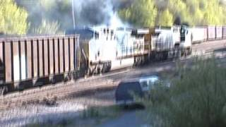 getlinkyoutube.com-CSX, will the locomotive make it with out catching fire???