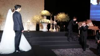 getlinkyoutube.com-Donghae & Eunhyuk singing Oppa Oppa on Ahra's wedding