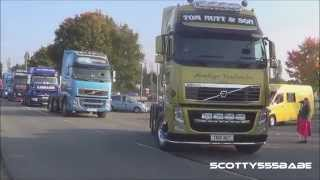 getlinkyoutube.com-Trucks leaving Newark Truckfest 2015 V8 Loud pipes Straight pipes LKW