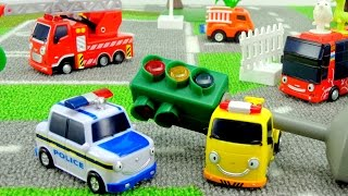 getlinkyoutube.com-Мультики про машинки: Приключения ТАЙО! Происшествие на дороге. Мультфильм из игрушек