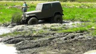getlinkyoutube.com-Progee and his jeep in the thick mud