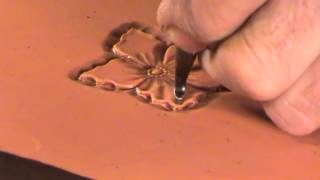 getlinkyoutube.com-Tooling Leather With One Hand Using the Power Mallet