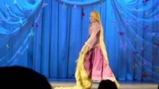 getlinkyoutube.com-Usagi Defile Rapunzel 02/2011 - Tangled cosplay