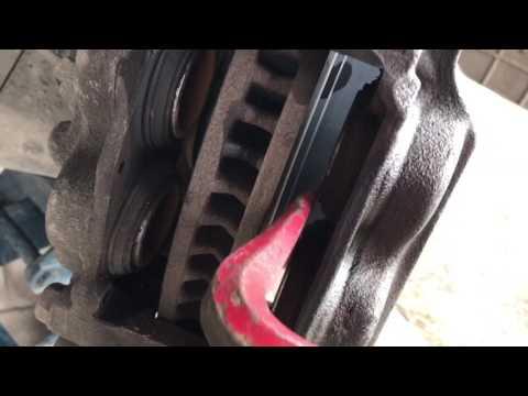 Замена передних колодок Toyota Land Cruiser Prado 150