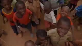 getlinkyoutube.com-Kenyan Jiggers, Jigger Removal & Jigger Popping!