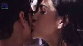 getlinkyoutube.com-Kriti Sanon Kisses Mahesh Babu - One (1 Nenokkadine) Tamil Movie Scenes