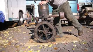 getlinkyoutube.com-1920's Novo 3Hp Model S Upright Hit & Miss Engine