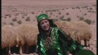 getlinkyoutube.com-الشاعرة حنين العجارمة ترعى الأغنام بدار السلام