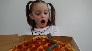 "getlinkyoutube.com-Snakes Attack Pizza! Spatula Girl Attacks Snake! ""Toy Freaks Victoria & Annabelle"""
