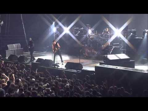 Three Days Grace - Riot (Live At The Palace) HD, CC