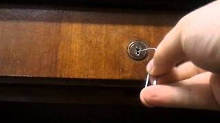 getlinkyoutube.com-How to pick a Lock  with Paperclips - A tutorial with Halfmonty