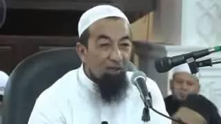 getlinkyoutube.com-Kencing 2 Liter (Lawak Habis) - Ustaz Azhar Idrus