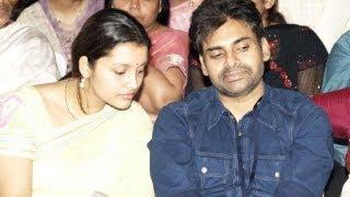 getlinkyoutube.com-Chiranjeevi Pawan Kalyan Rare Family Photos - Video Play