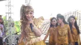 getlinkyoutube.com-Njaluk Imbuh -  Nunung Alvi Live Lajer