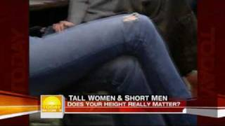 "getlinkyoutube.com-Tall 6'4"" woman and 5' man on Today Show"