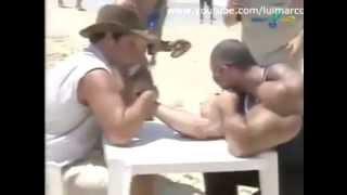 getlinkyoutube.com-SYNTHOL MAN VS NON LIFTING GUY ARM WRESTLING !!!!
