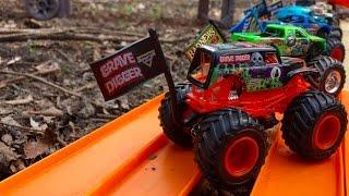 Hot Wheels Monster Jam Back Yard Downhill Drag Racing! 16 New Trucks